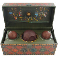 Harry Potter: Collectible Quidditch Set with Poster