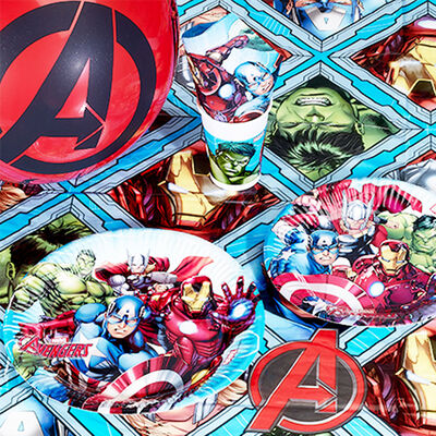 Avengers Plastic Table Cover image number 2