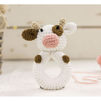 Cute Companions Miniature Handheld Crochet Kit - Charlie the Cow image number 2