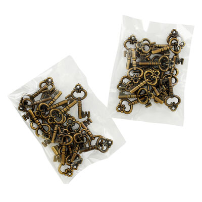 Antique Brass Metal Key Charms - 2 Packs image number 1
