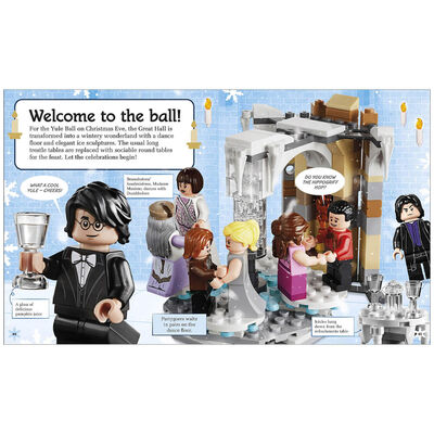 LEGO Harry Potter Hogwarts at Christmas image number 3