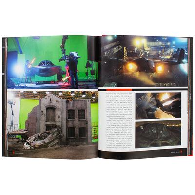 Batman v Superman: Dawn of Justice Tech Manual image number 3