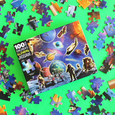 Space Explorers 100 Piece Glowing Jigsaw Puzzle image number 3